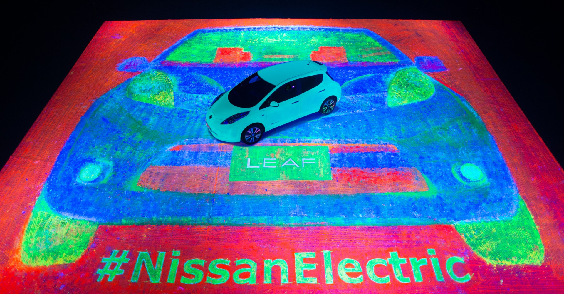 Nissan Breaks World Record With Huge Glow In The Dark Painting