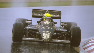 Estoril, Portugal. 19-21 April 1985. Ayrton Senna (Lotus 97T Renault) 1st position. Ref-85 POR 04. World Copyright - LAT Photographic