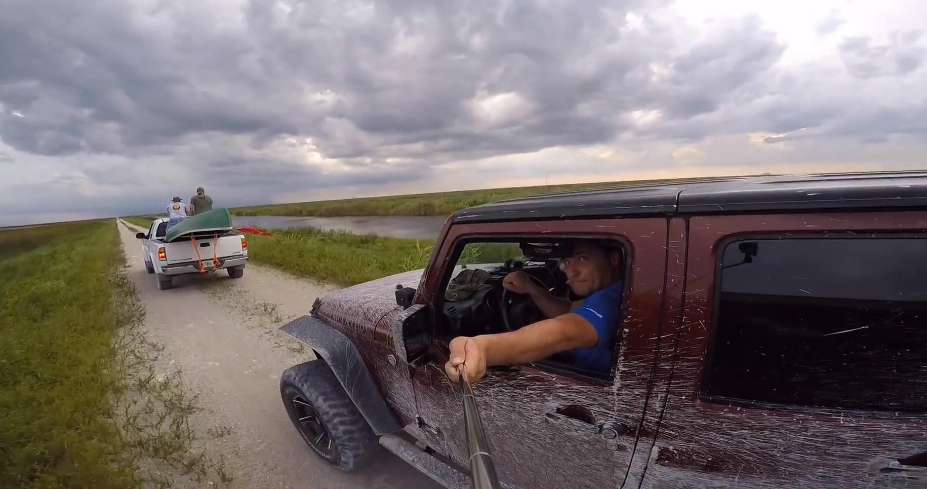 Idiot Selfie Stick Driver Crashes While Filming Himself