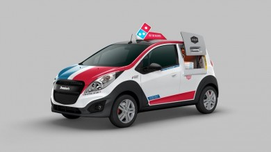 dominos-pizza-created-a-delivery-car-with-a-built-in-oven-to-keep-your-pie-warm-2