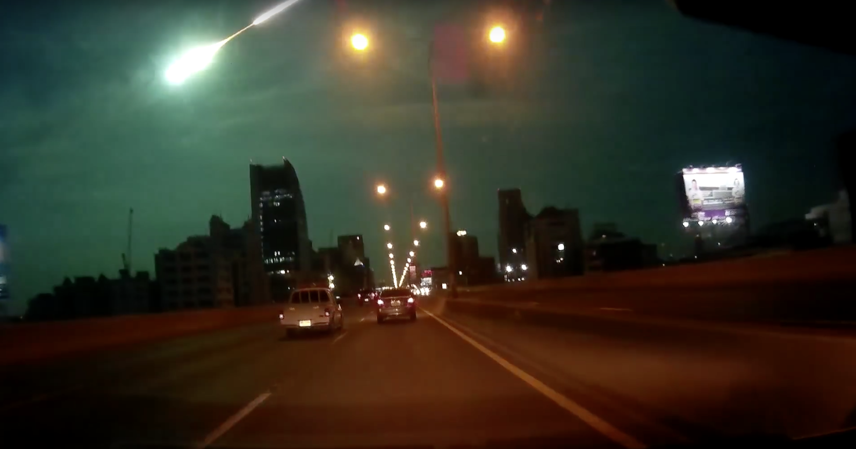 Dashcam Captures Incredible Moment Meteor Flies Over Motorway