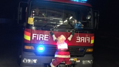 Santa fire engine Saltash