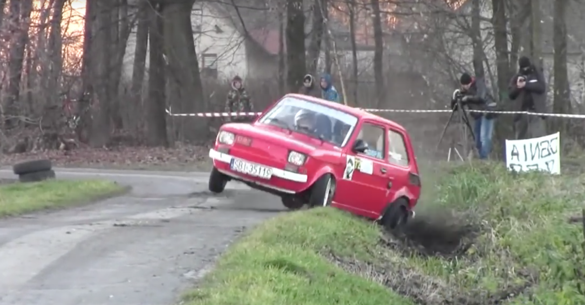 polski fiat 126p goes flat out refuses to crash. Black Bedroom Furniture Sets. Home Design Ideas