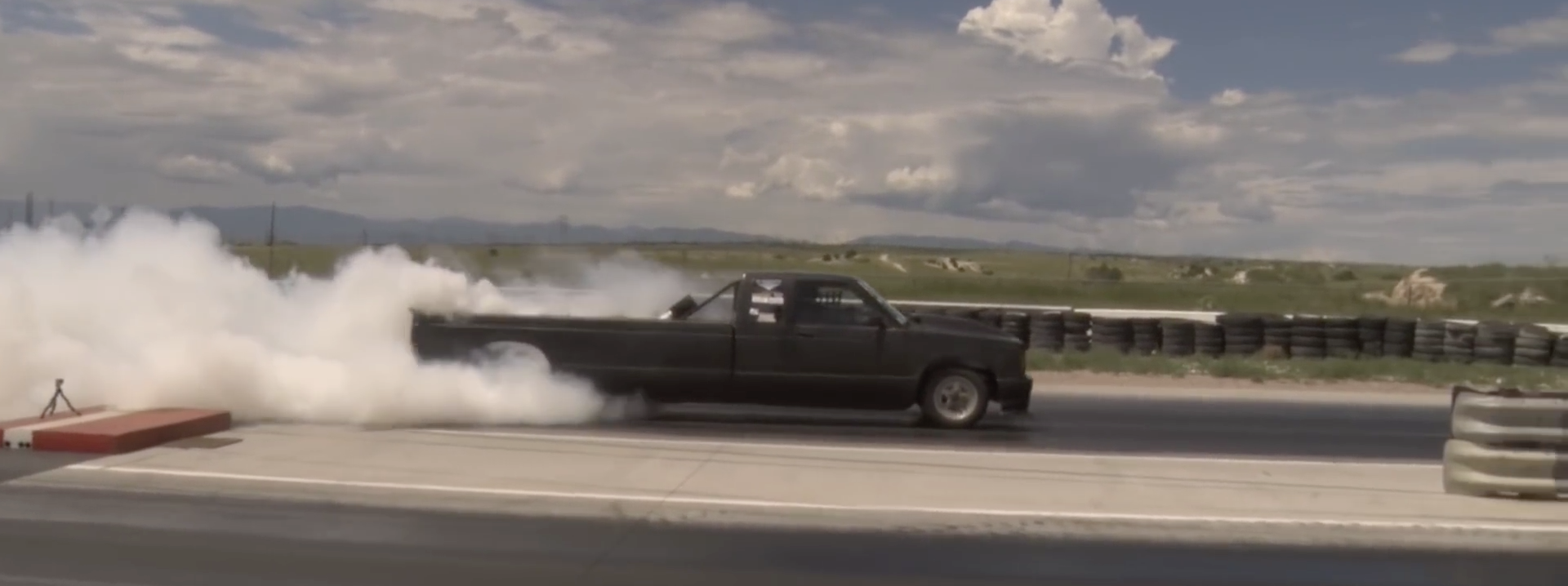 'Stretchy Truck' Might Be The Weirdest Dragster You See This Year