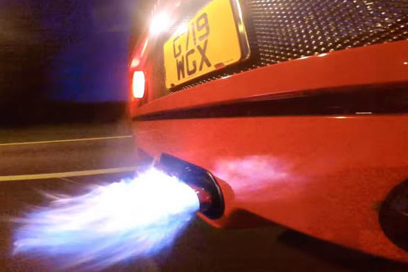 Ferrari F40 Owner Changes Exhaust, Turns Car Into Flamethrower