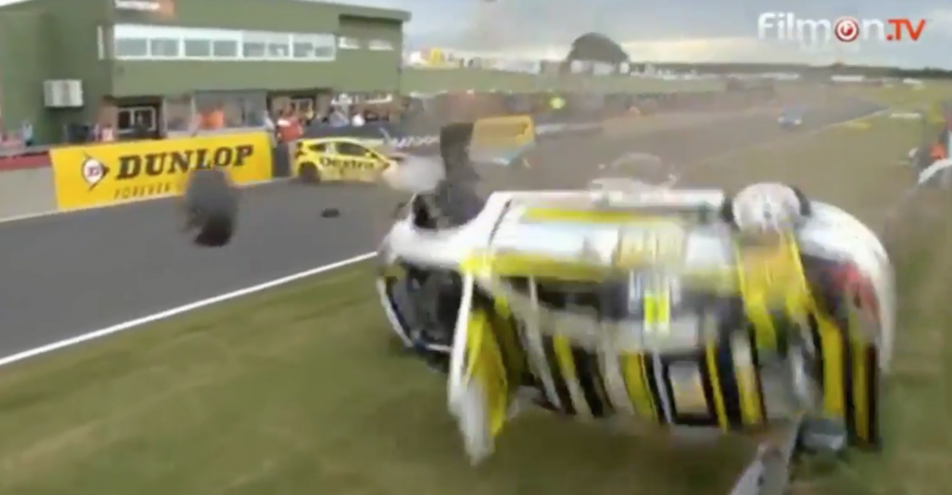 Touring Car Crashes Heavily, Wipes Out Cameraman - SuperUnleaded.com