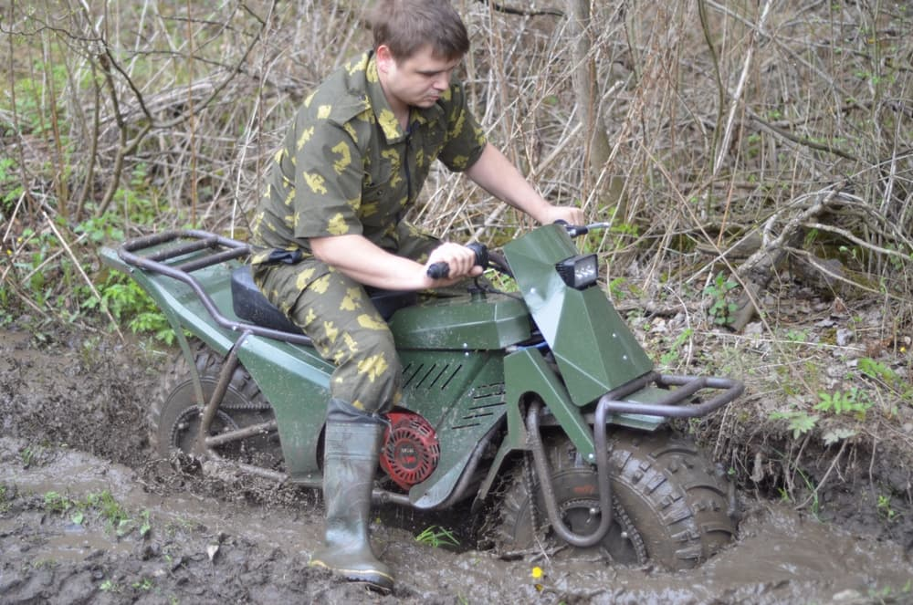 Russians Invent All-Terrain Two-Wheel-Drive Bike, Because Russia