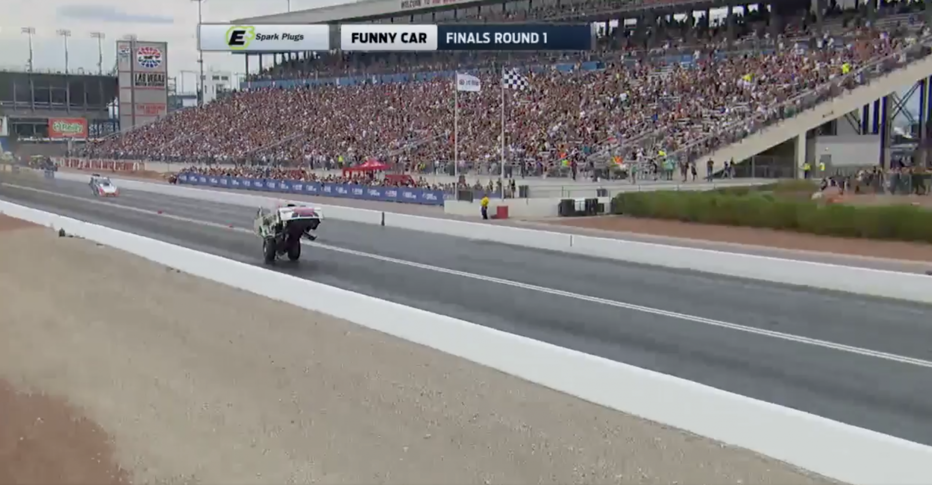 This Drag Racing Wheelie Is Just Amazing