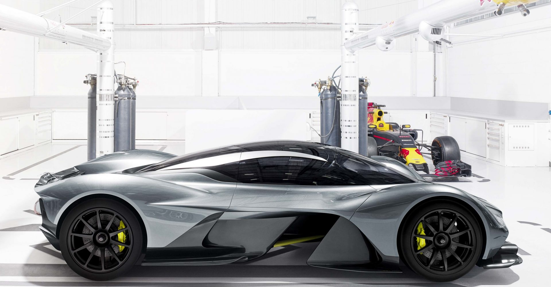 More Details About The New Aston Martin Hypercar Are Released