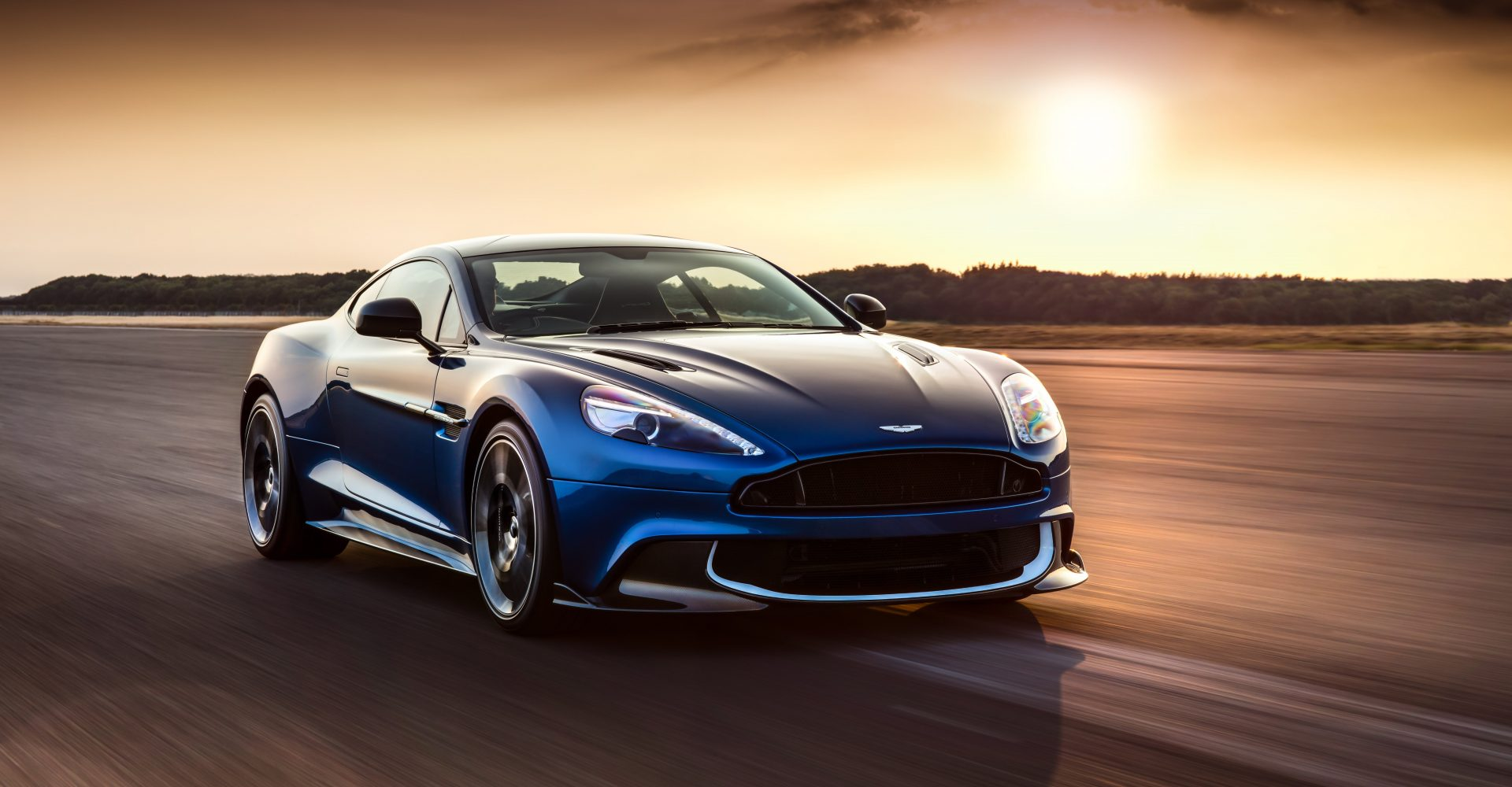 The New Aston Martin Vanquish S Is Absolutely Beautiful