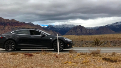 Lack Of Phone Signal Locks Tesla Owner Out Of His EV