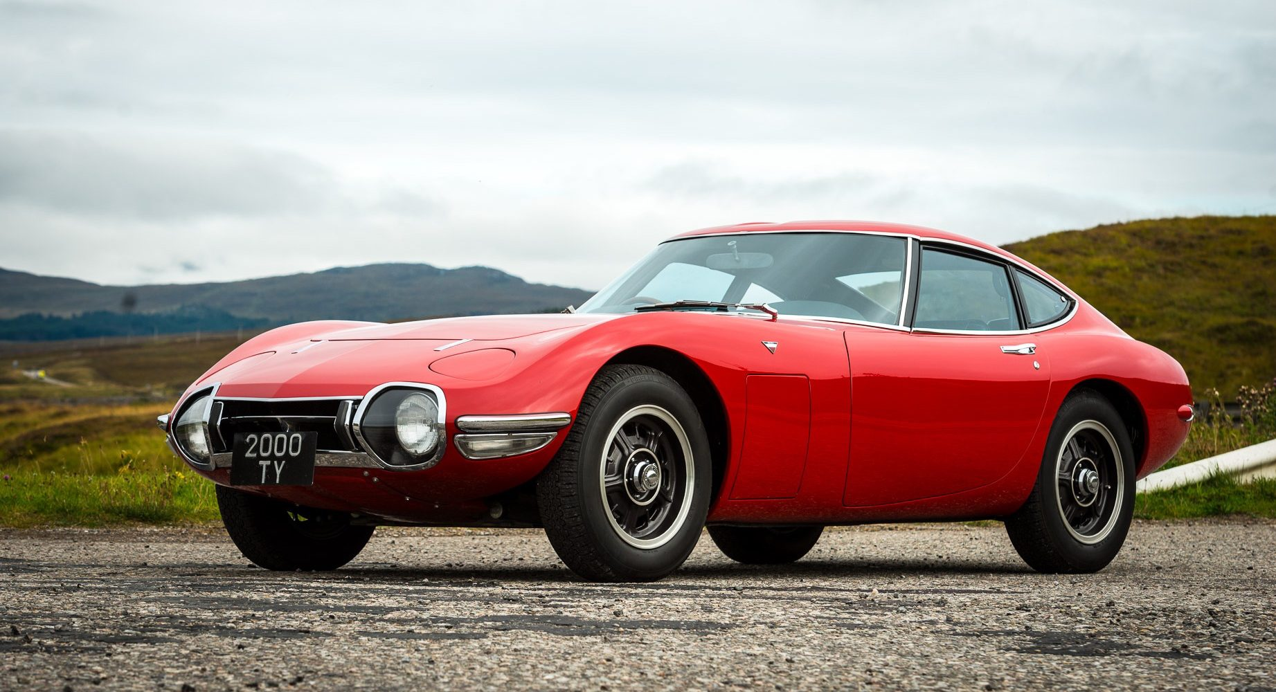Jaw-Dropping Toyota 2000GT Restoration Uncovers Car's Mysterious