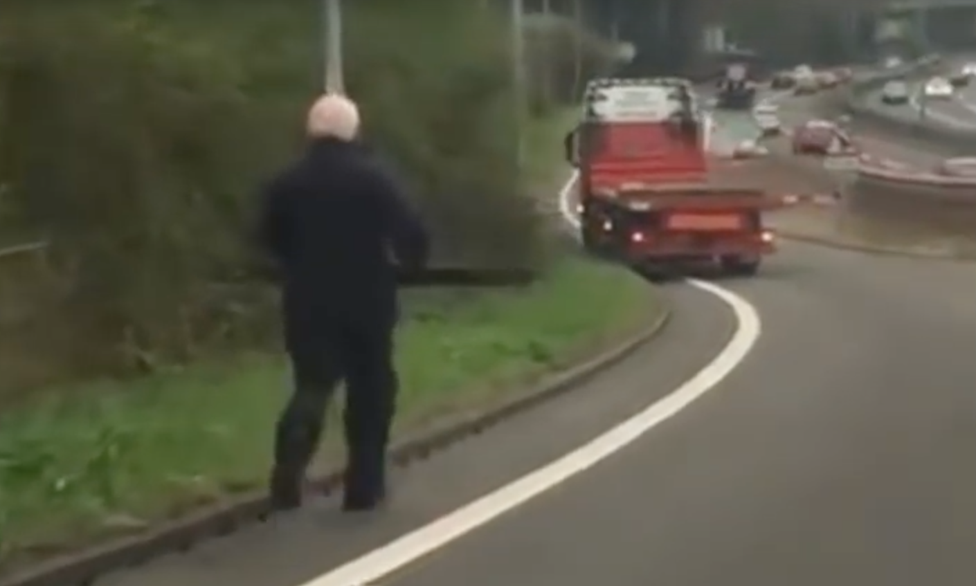 Dozy Lorry Driver Almost Causes Massive Accident