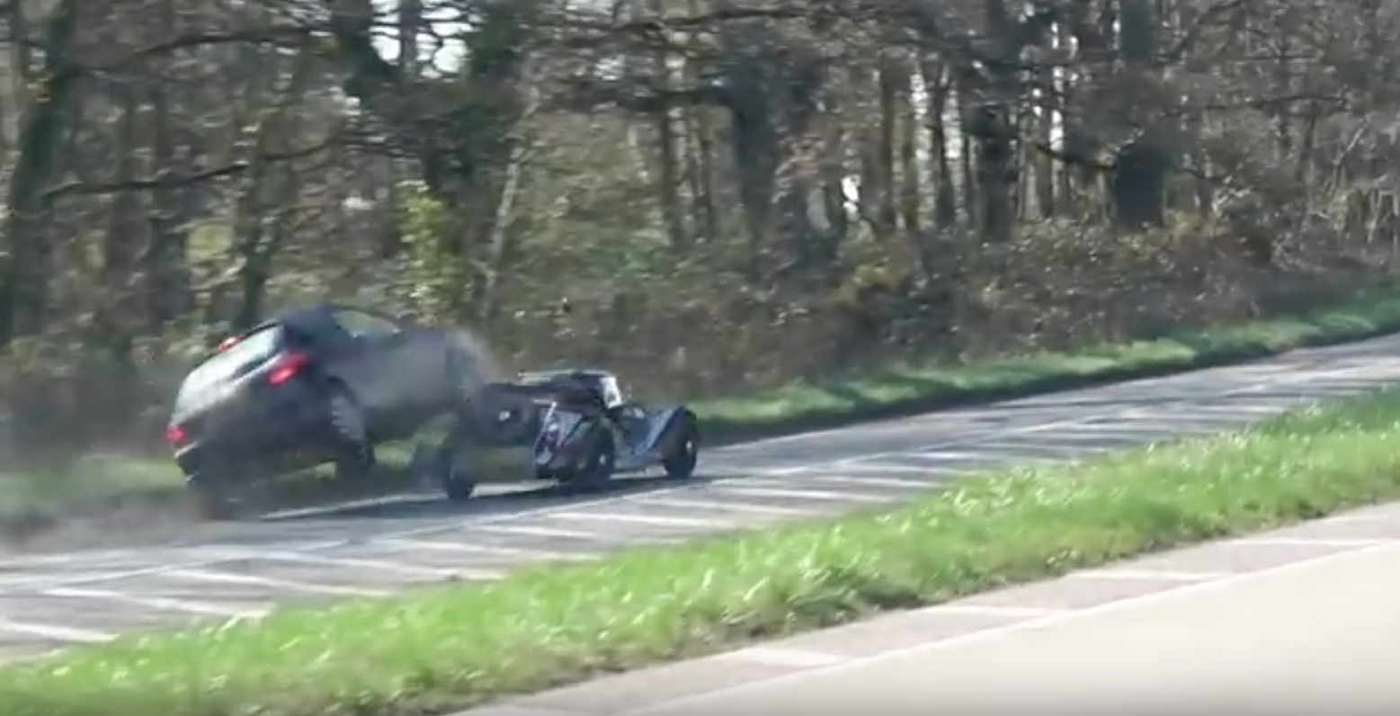 Morgan Driver Causes Stupid Crash After Car Meet