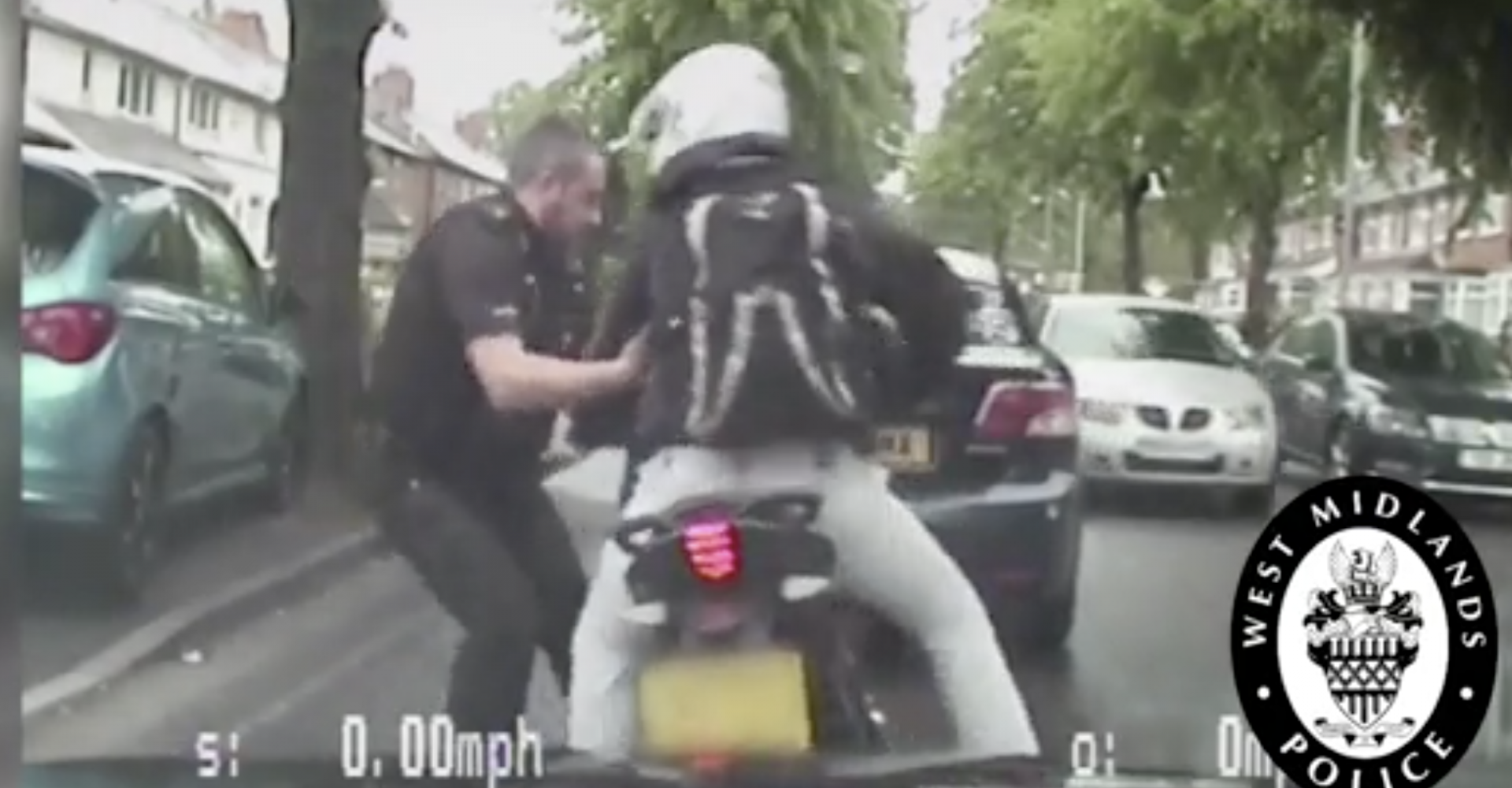 Quick-thinking cop yanks motorbike thief off his stolen ride
