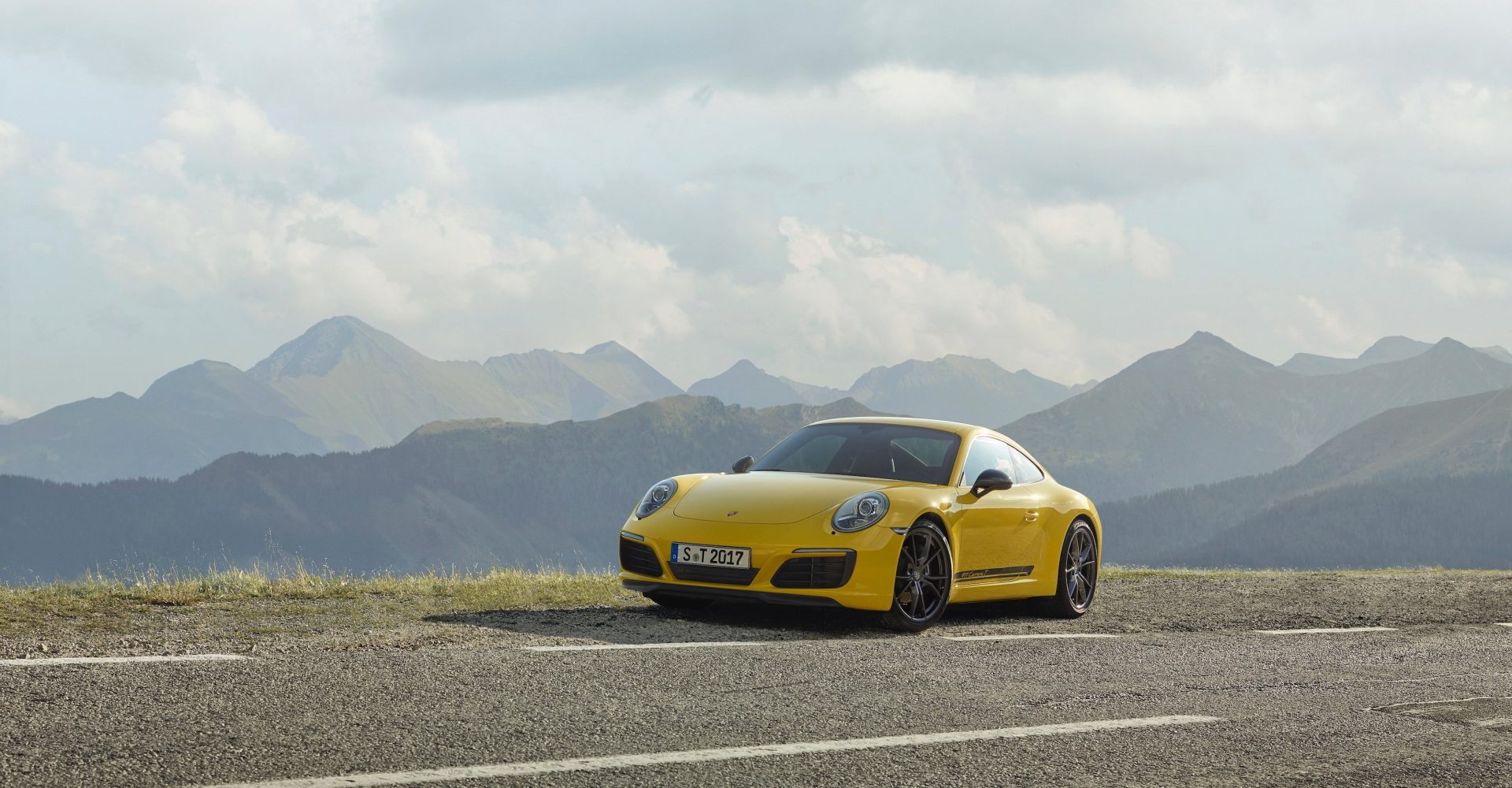 6 cool things about the new Porsche 911 Carrera T