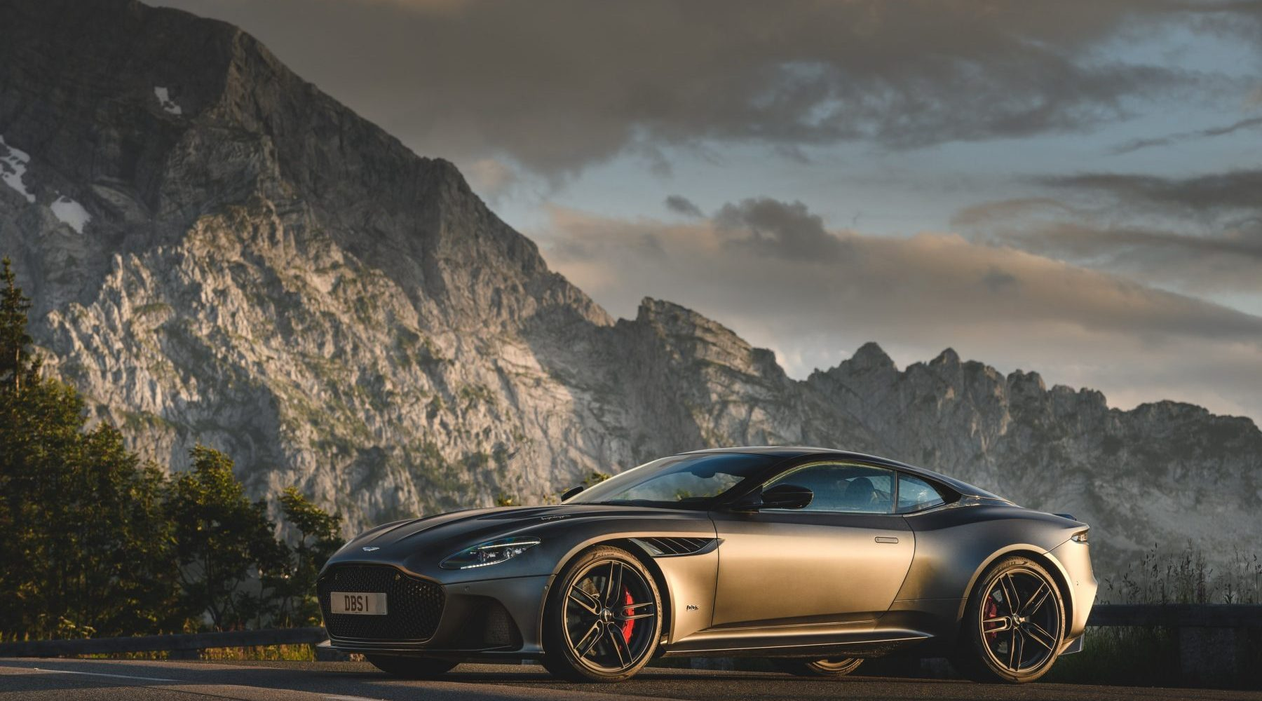 driven: aston martin dbs superleggera - superunleaded