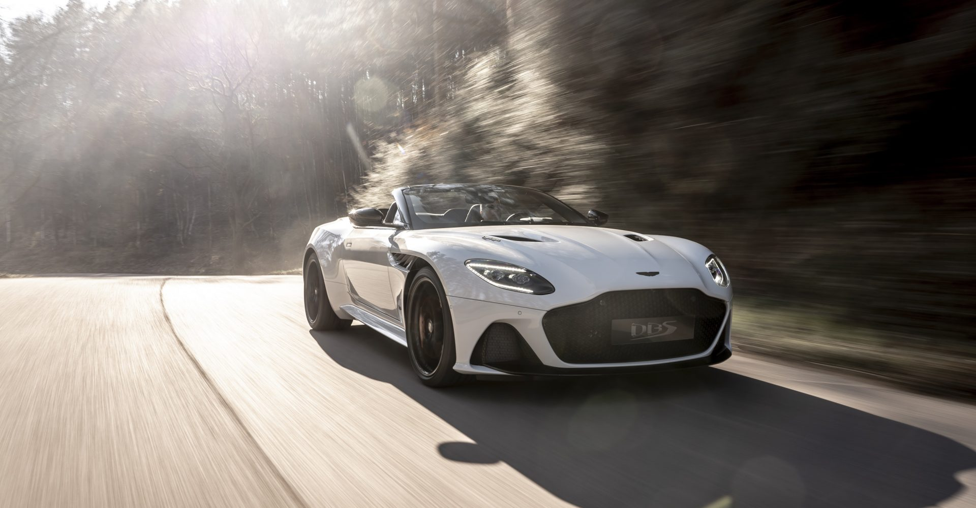 Aston Martin DBS Superleggera Volante revealed