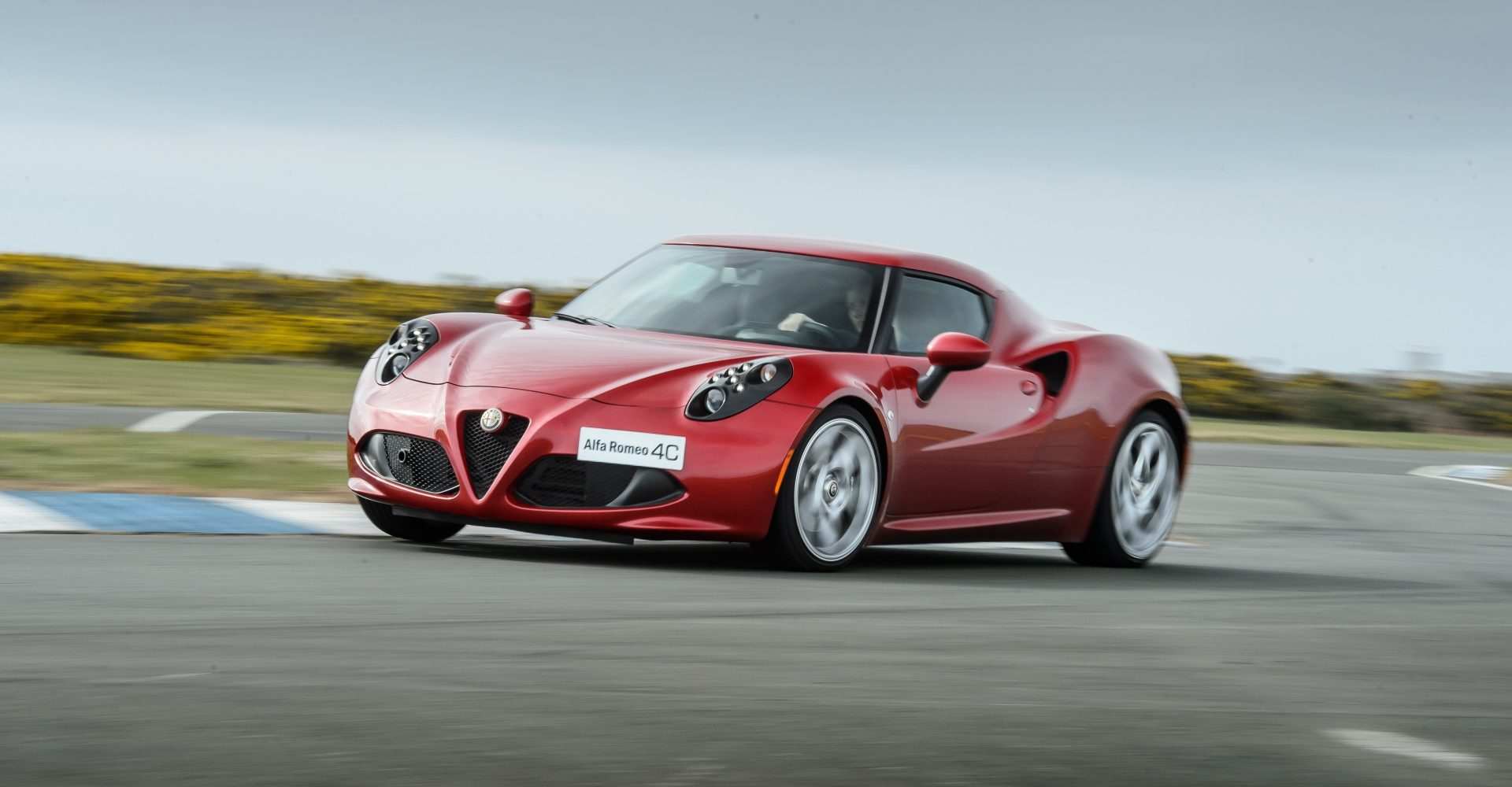 Alfa Romeo 4C reportedly axed from line-up