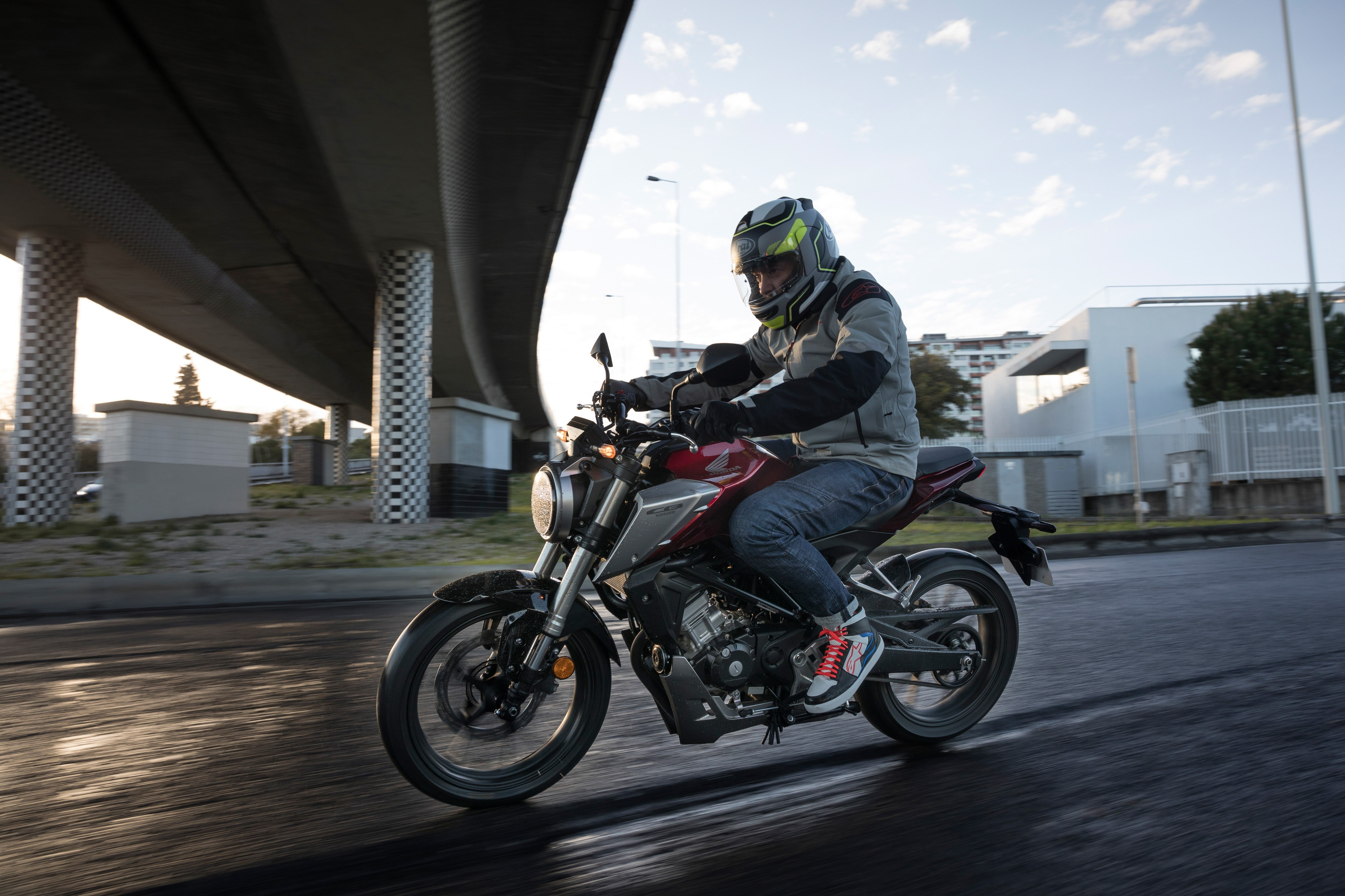 The CB125R gets the looks of much larger bikes