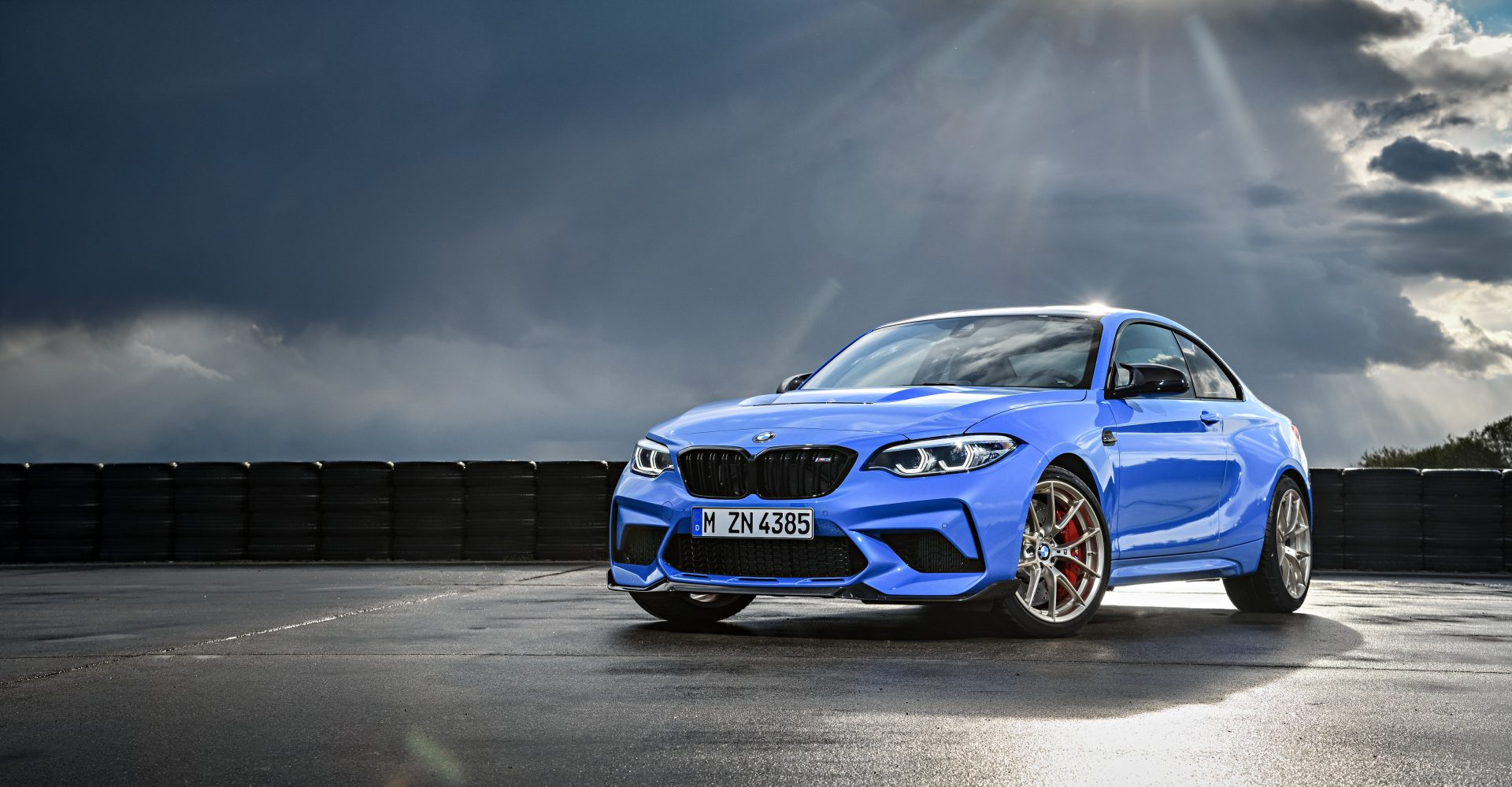 The BMW M2 CS is a 444bhp, £75,000 run-out special