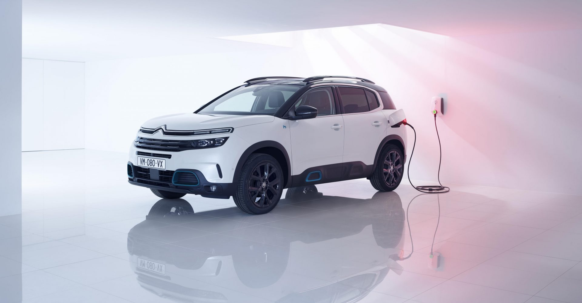 Citroen launches flagship C5 Aircross plug-in hybrid