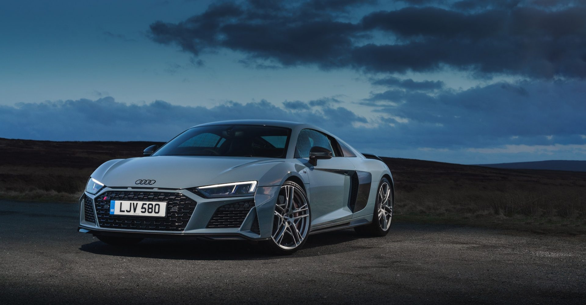 UK Drive: Updated Audi R8 Performance amplifies style and performance
