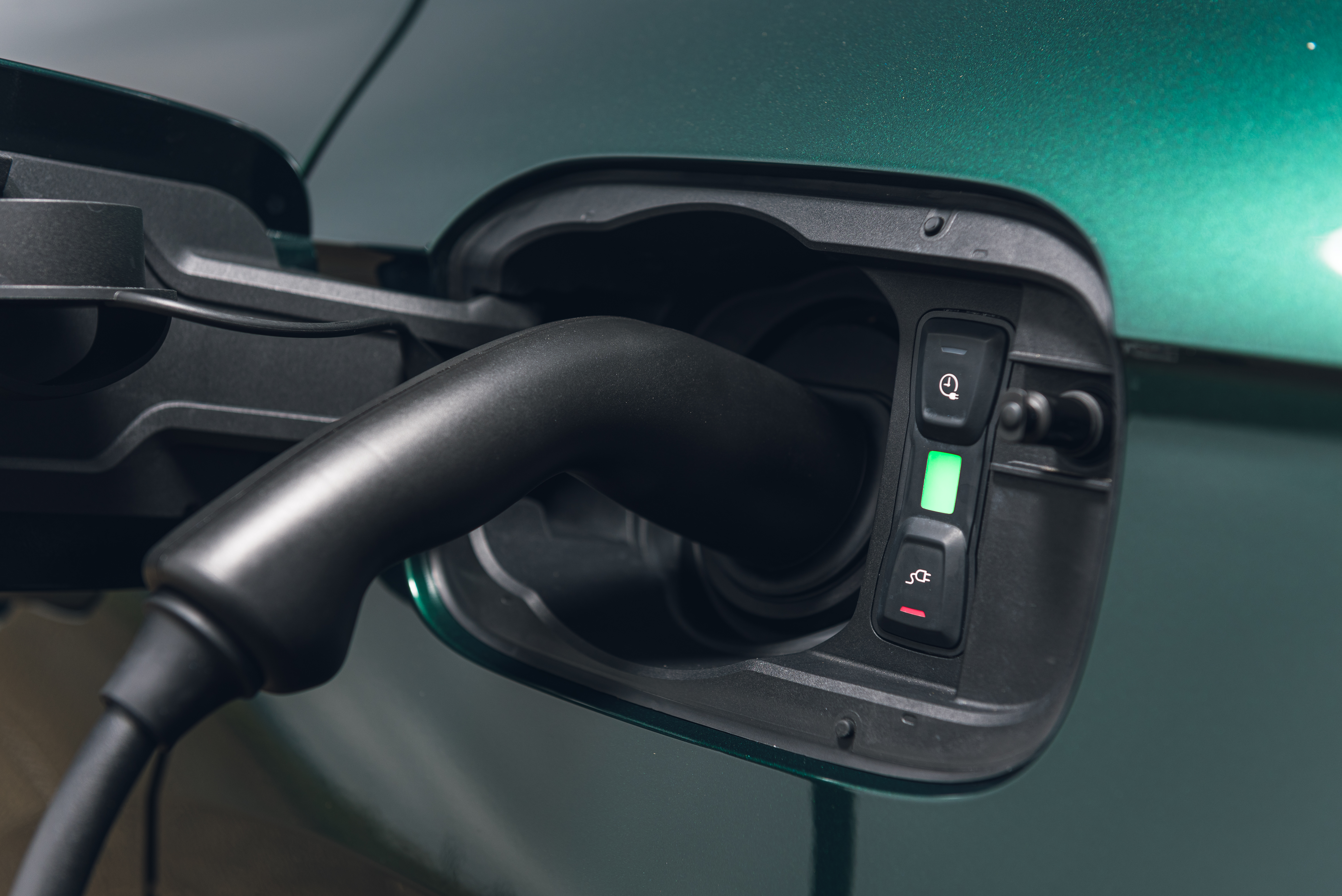 Charging the Q5 hybrid is simple