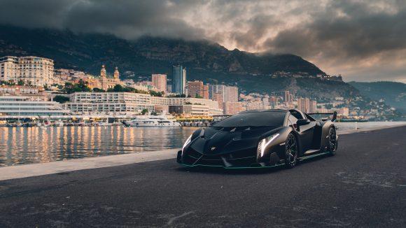 One-of-nine Lamborghini Veneno Roadster heading to auction
