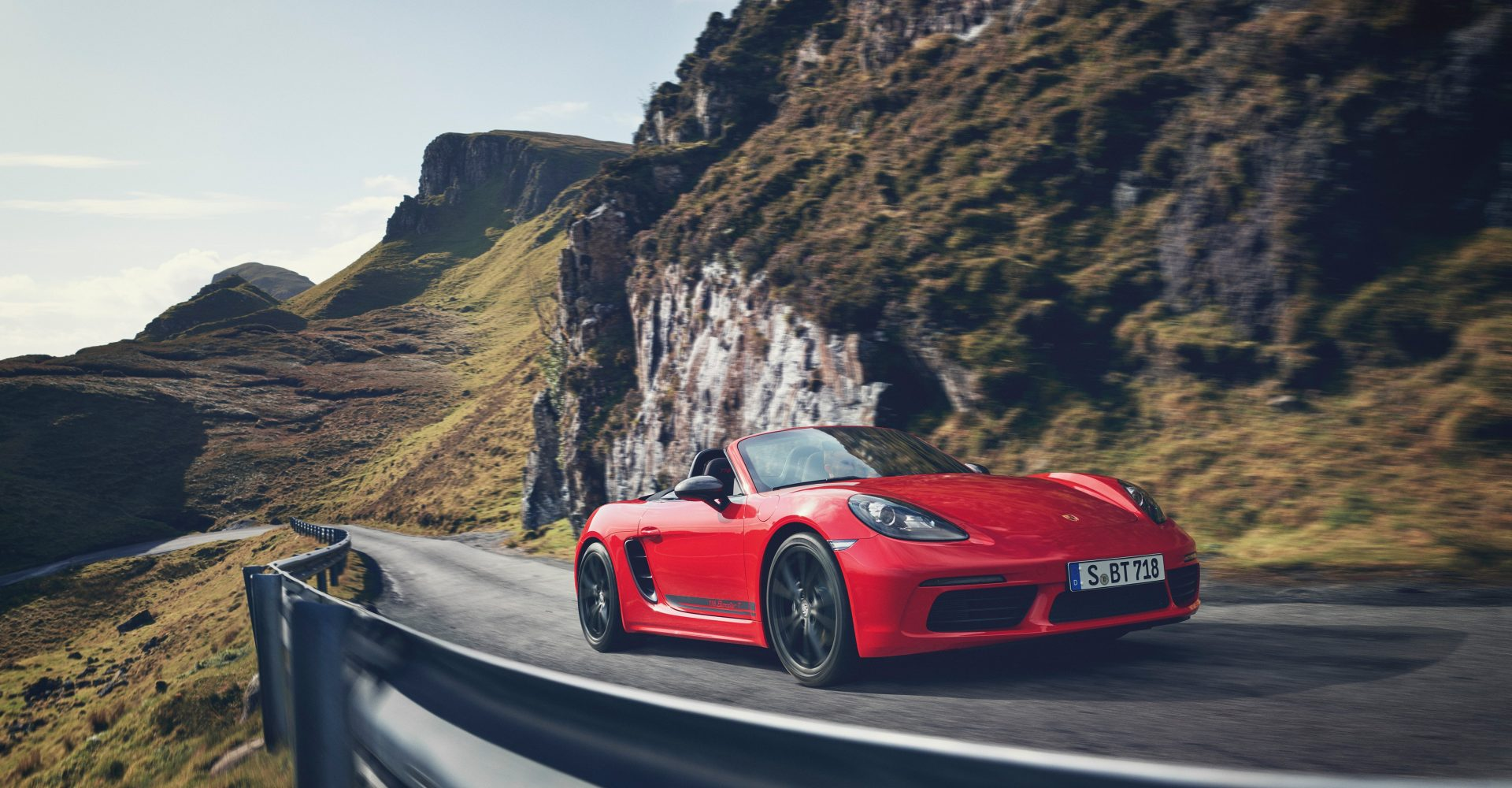 UK Drive: The Porsche 718 Boxster T could be the ultimate driver's drop-top