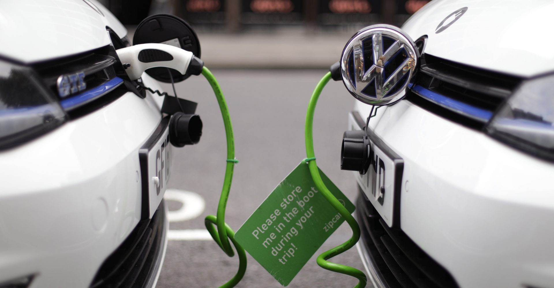 Ford boss urges Government not to ban plug-in hybrids