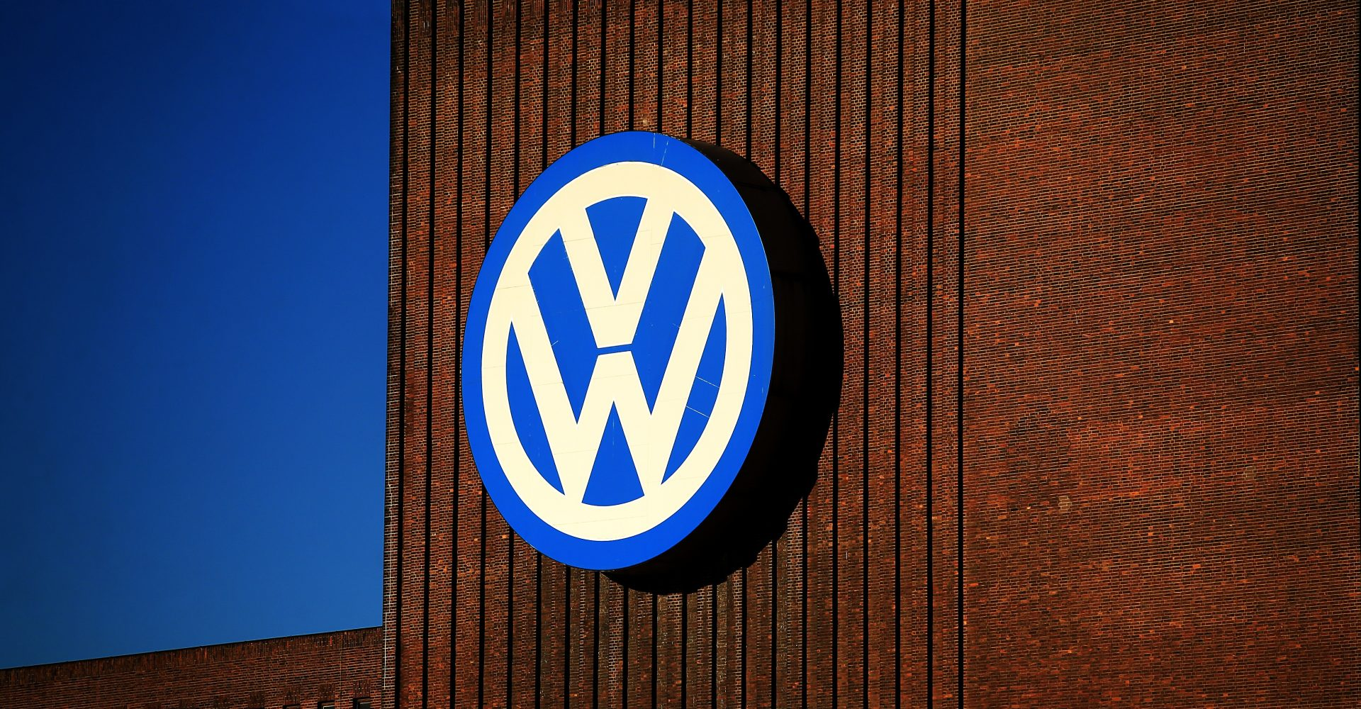 VW installed 'defeat devices' in thousands of diesel cars, High Court rules