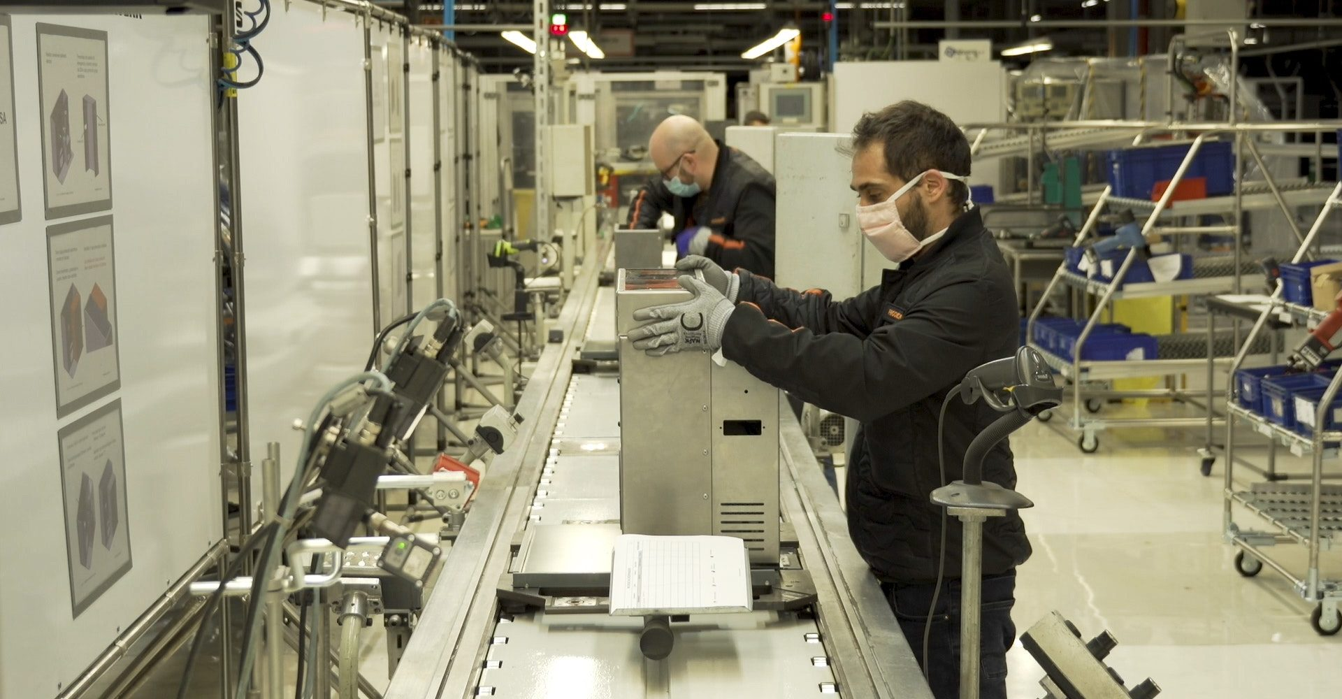 Seat factory switches from vehicle to ventilator production