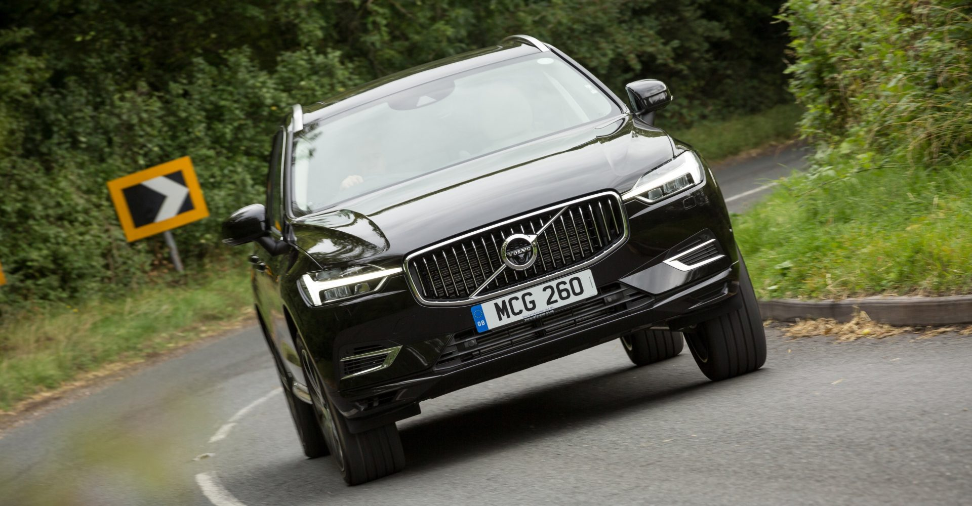 Volvo expands electrified line-up with new T6 plug-in hybrid