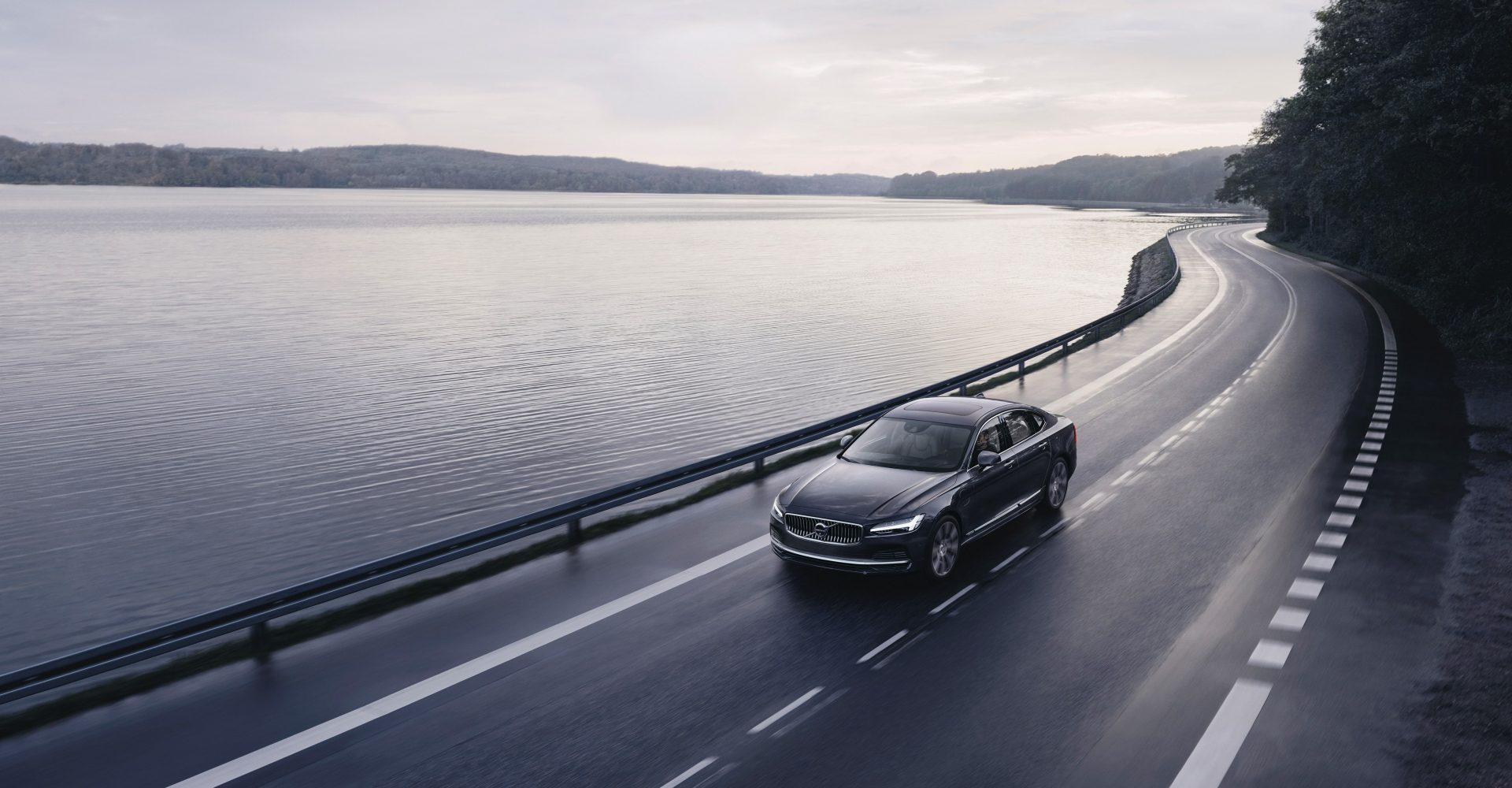 Volvo begins introduction of 112mph speed limit for its cars