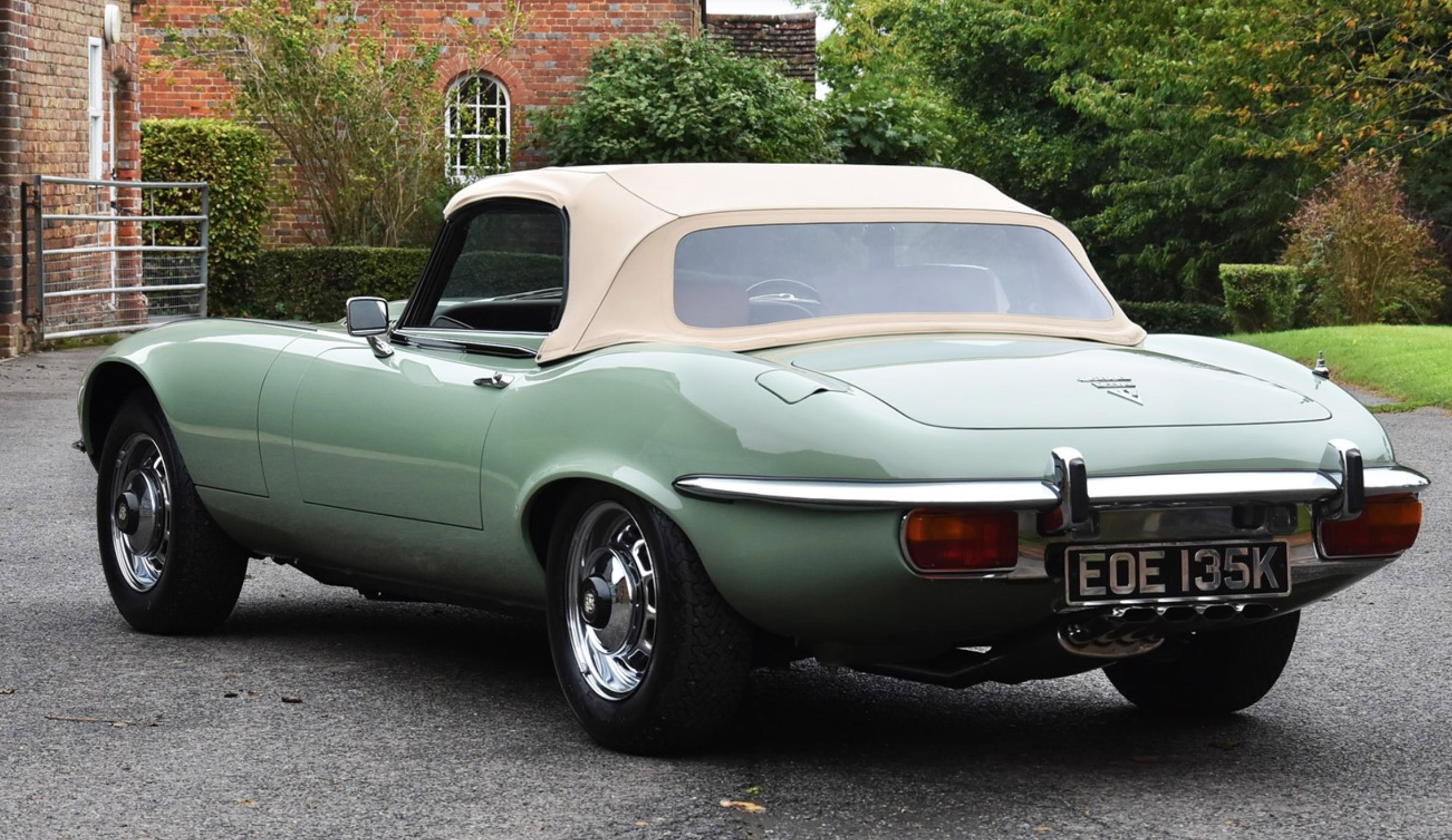 Jaguar E-Type formerly owned by Kevin Keegan has been restored