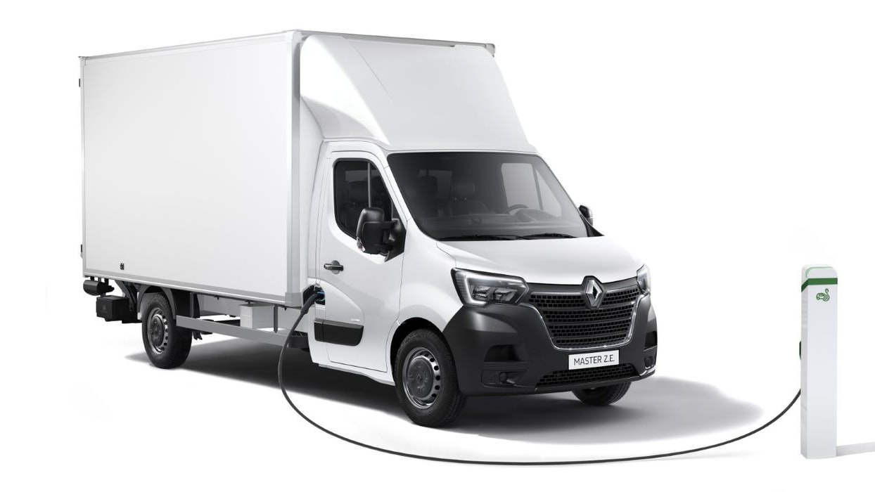 Renault expands Master ZE range with higher payload and new body variant