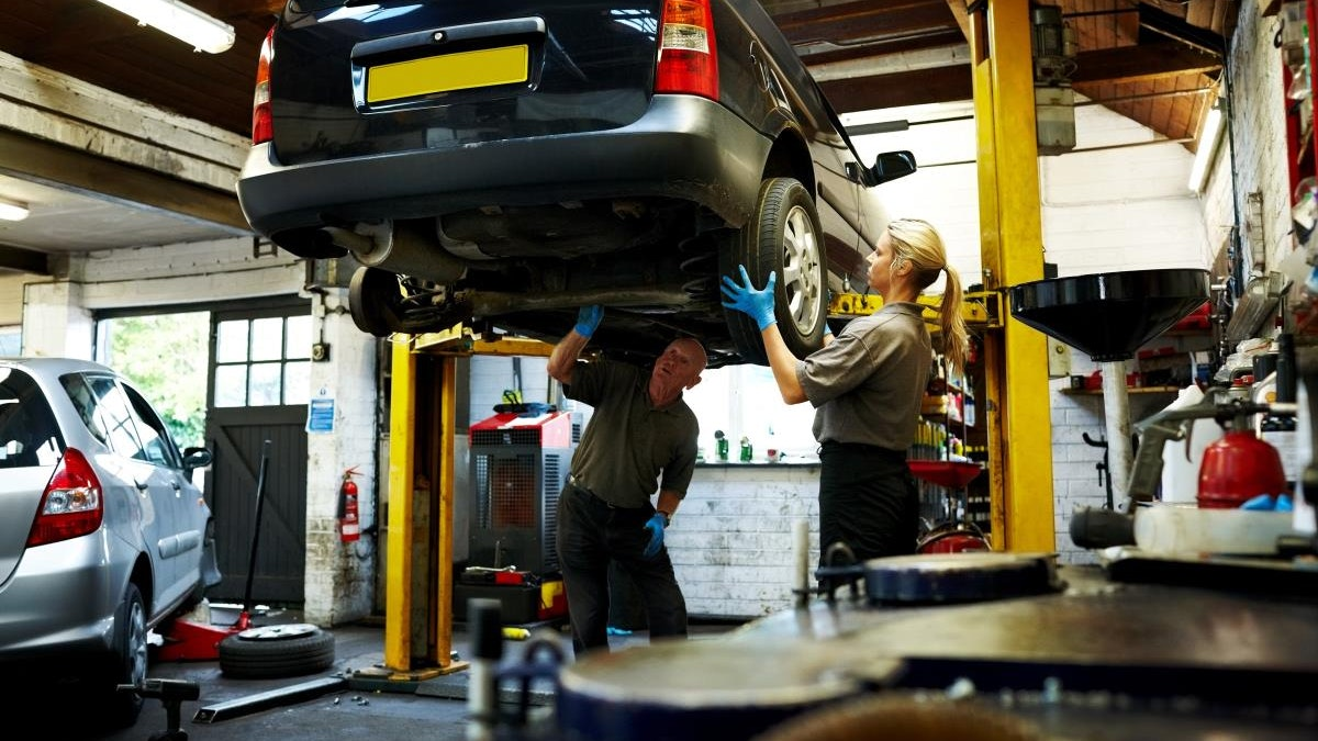 Drivers urged to book MOT tests now to avoid the rush