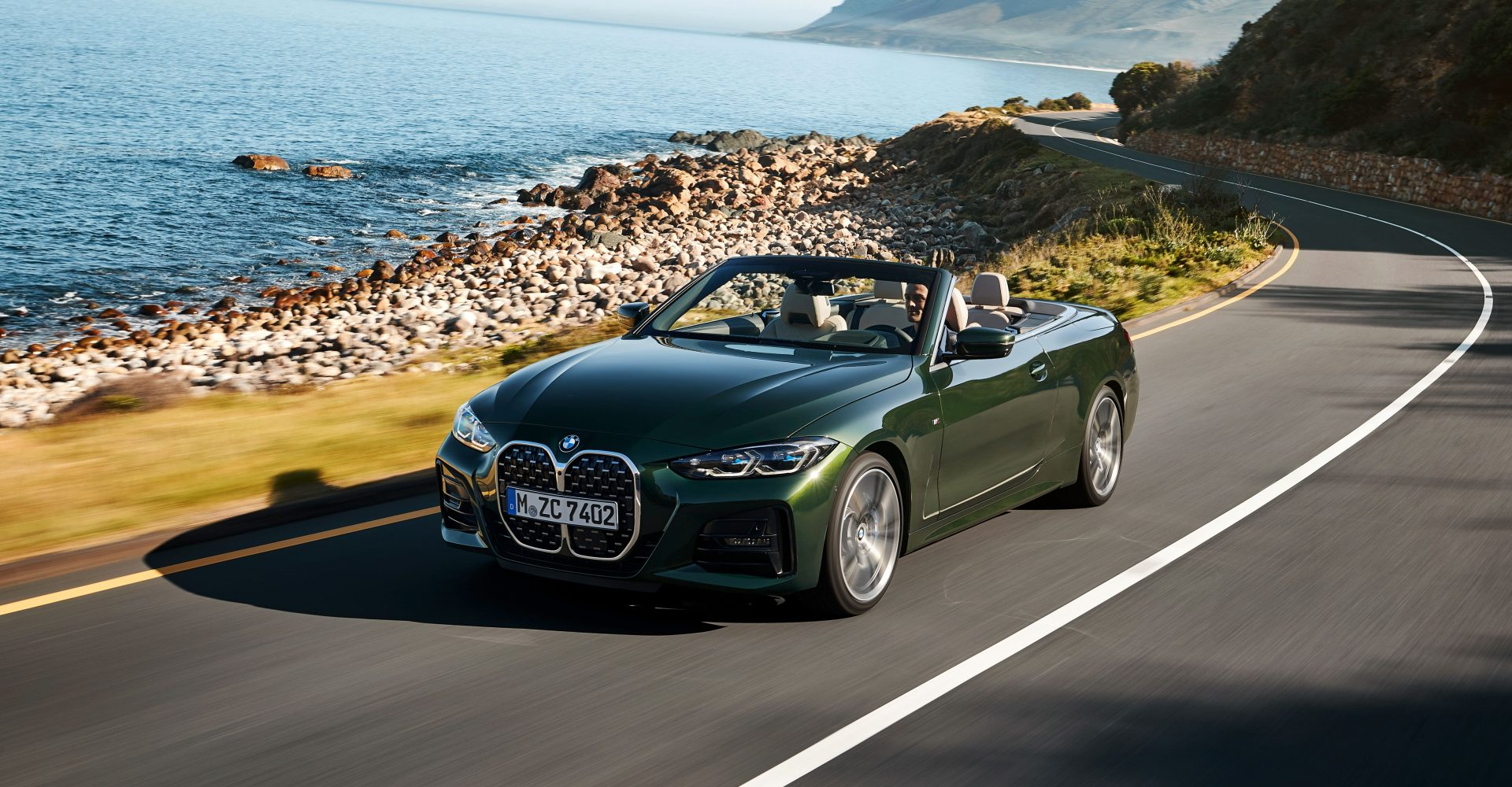BMW unveils bold new 4 Series Convertible
