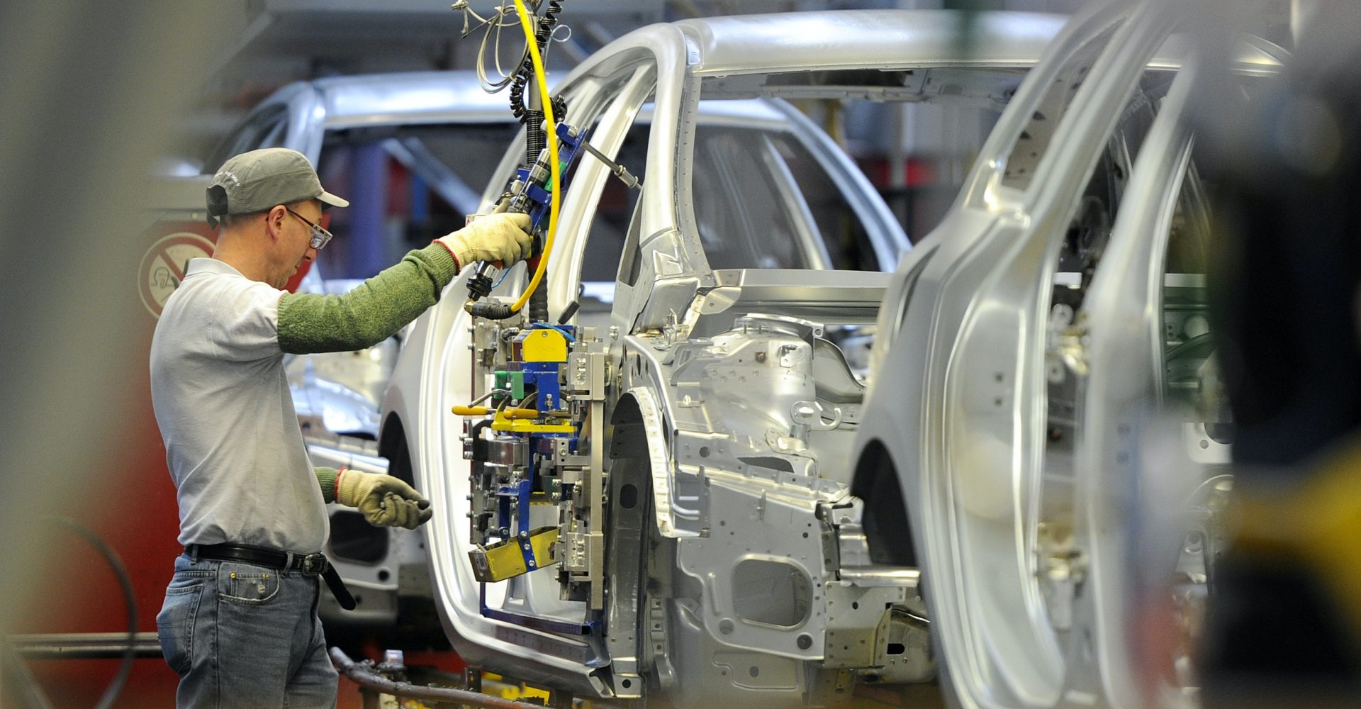 Car production hit lowest September level since 1995, figures show
