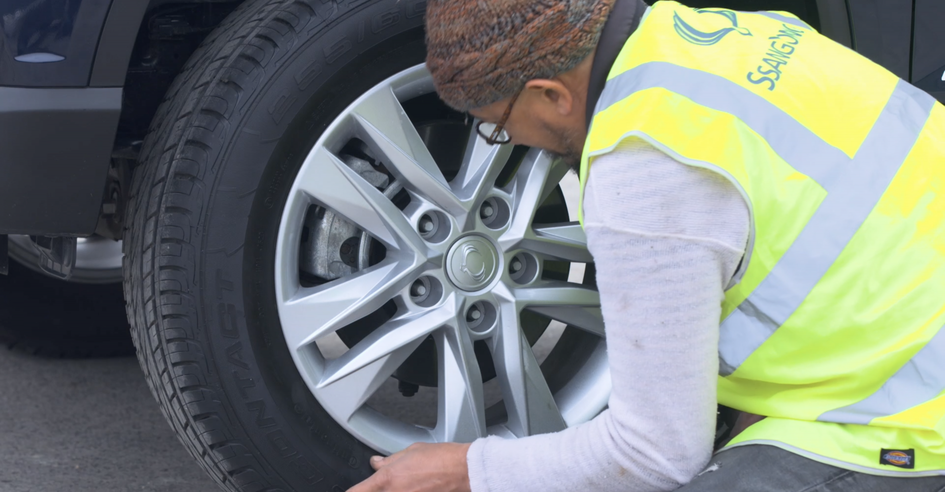How to change a wheel on your car