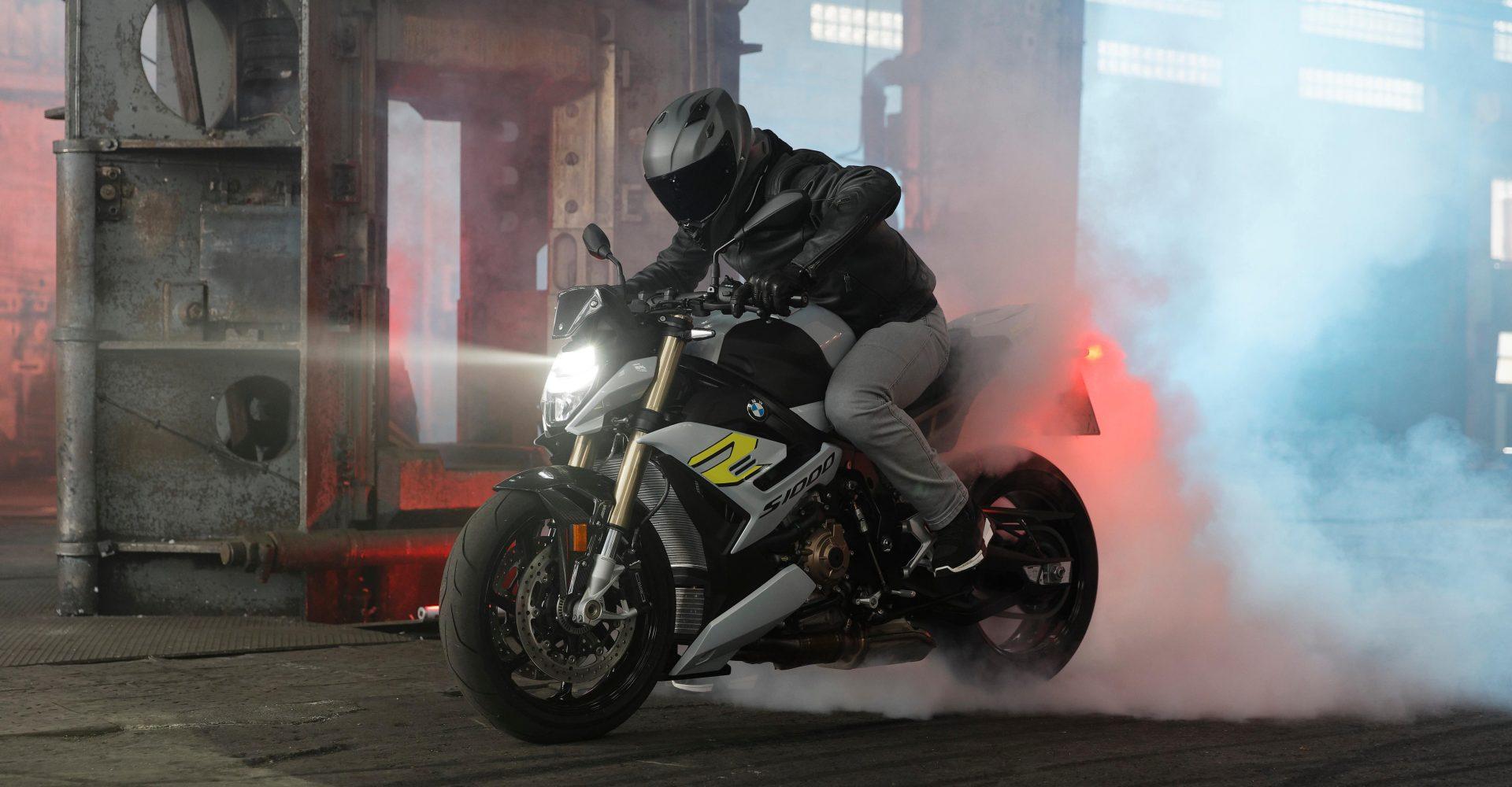 BMW reveals new S1000R