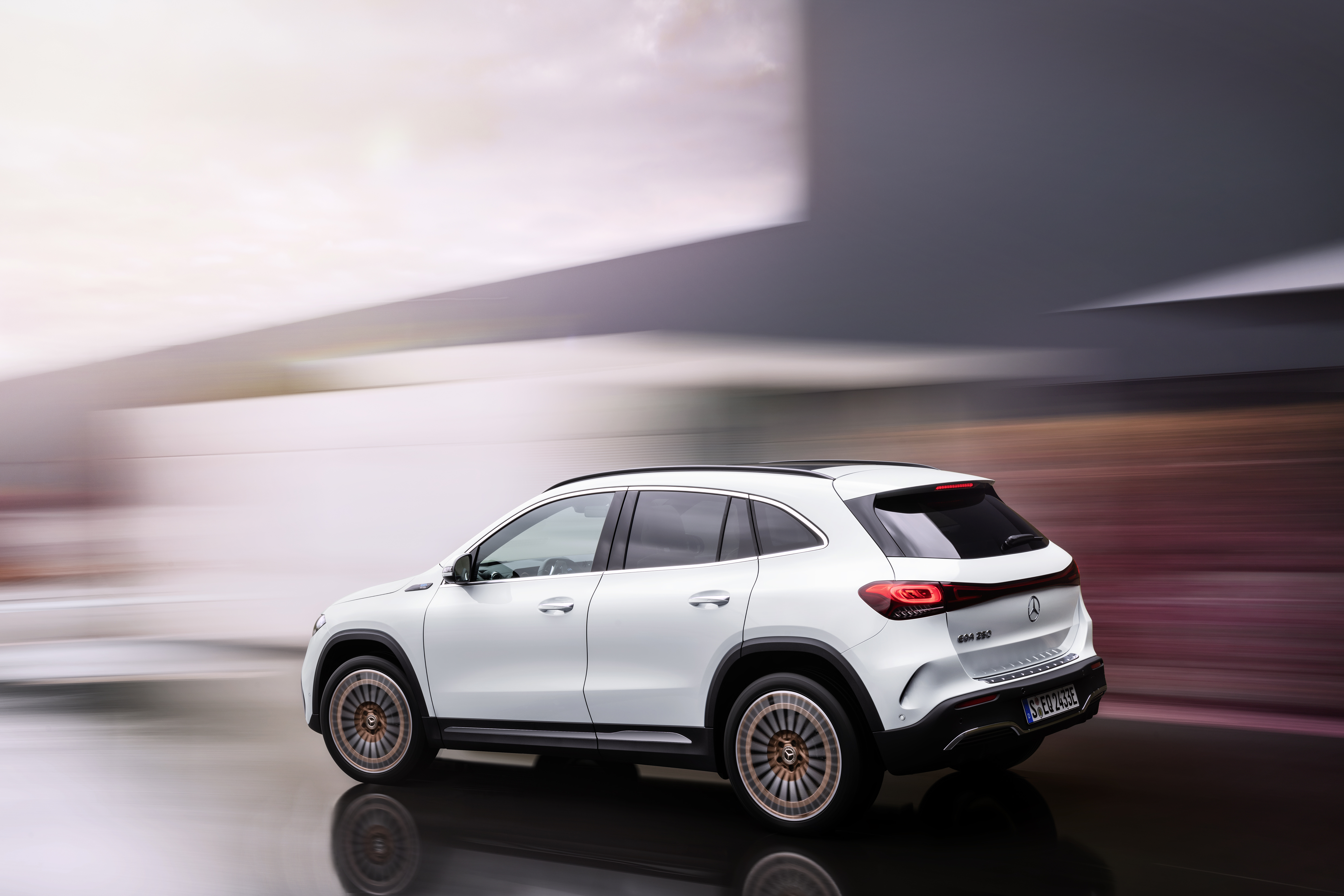 Mercedes-EQ EQA