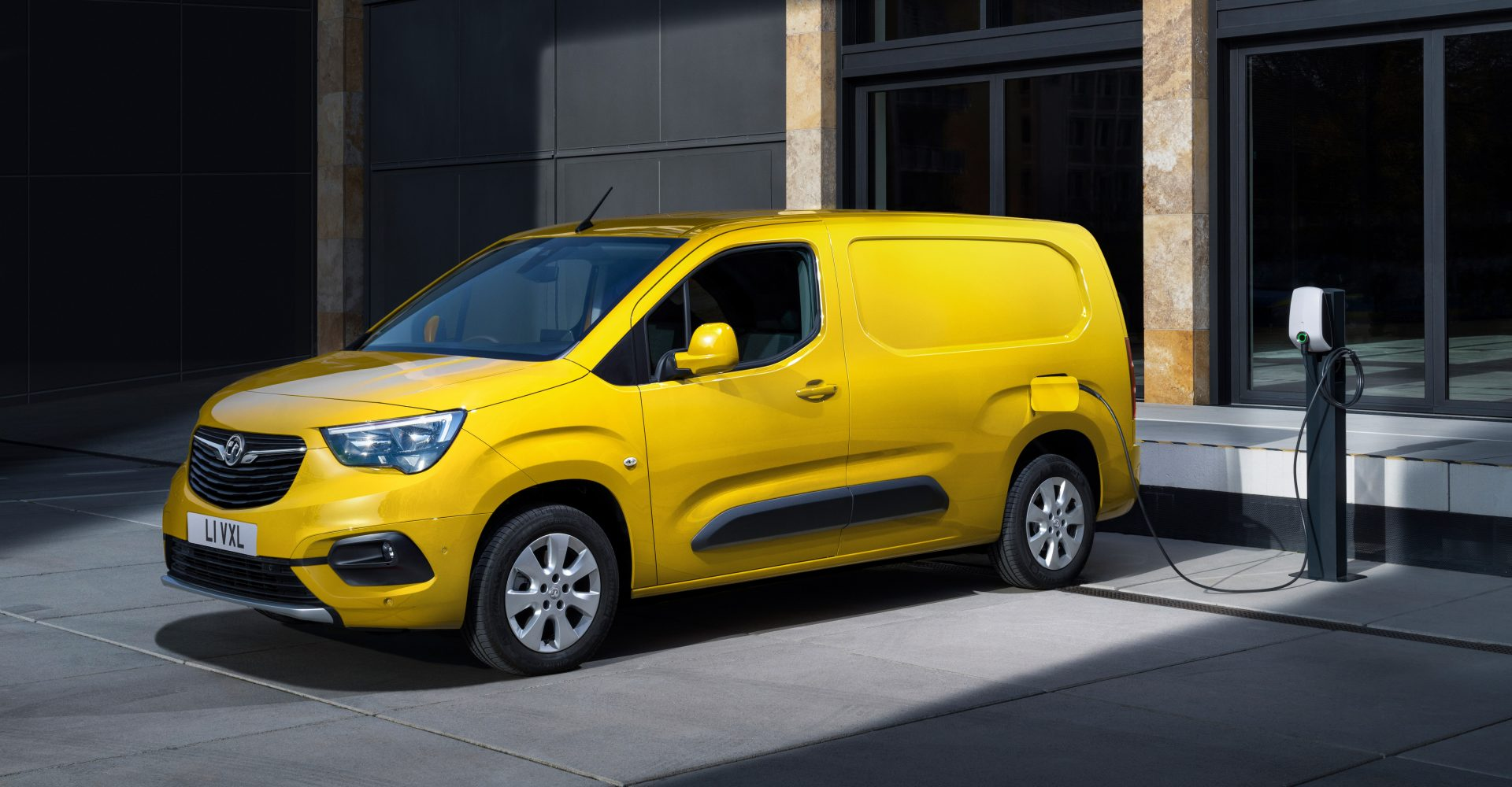 Vauxhall's Combo-e arrives with 171-mile range