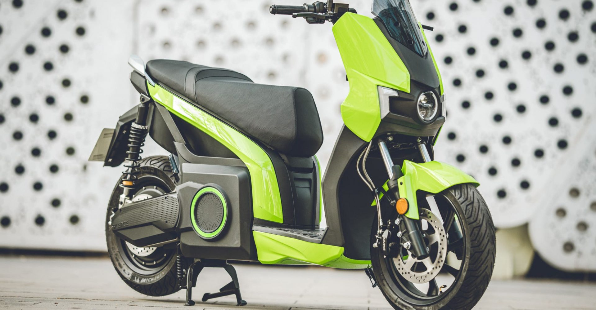 Silence e-moto scooter arrives in the UK as low-cost urban transport solution