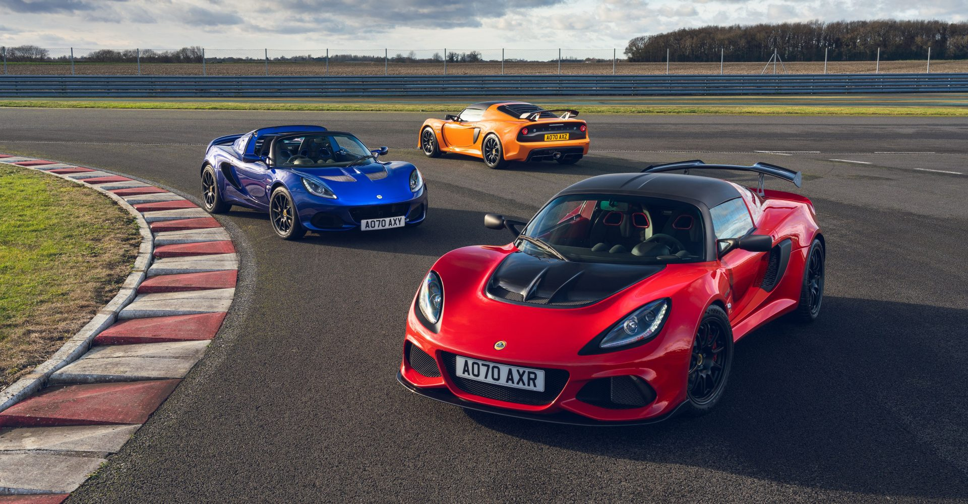 Lotus shares details of Elise and Exige Final Editions models