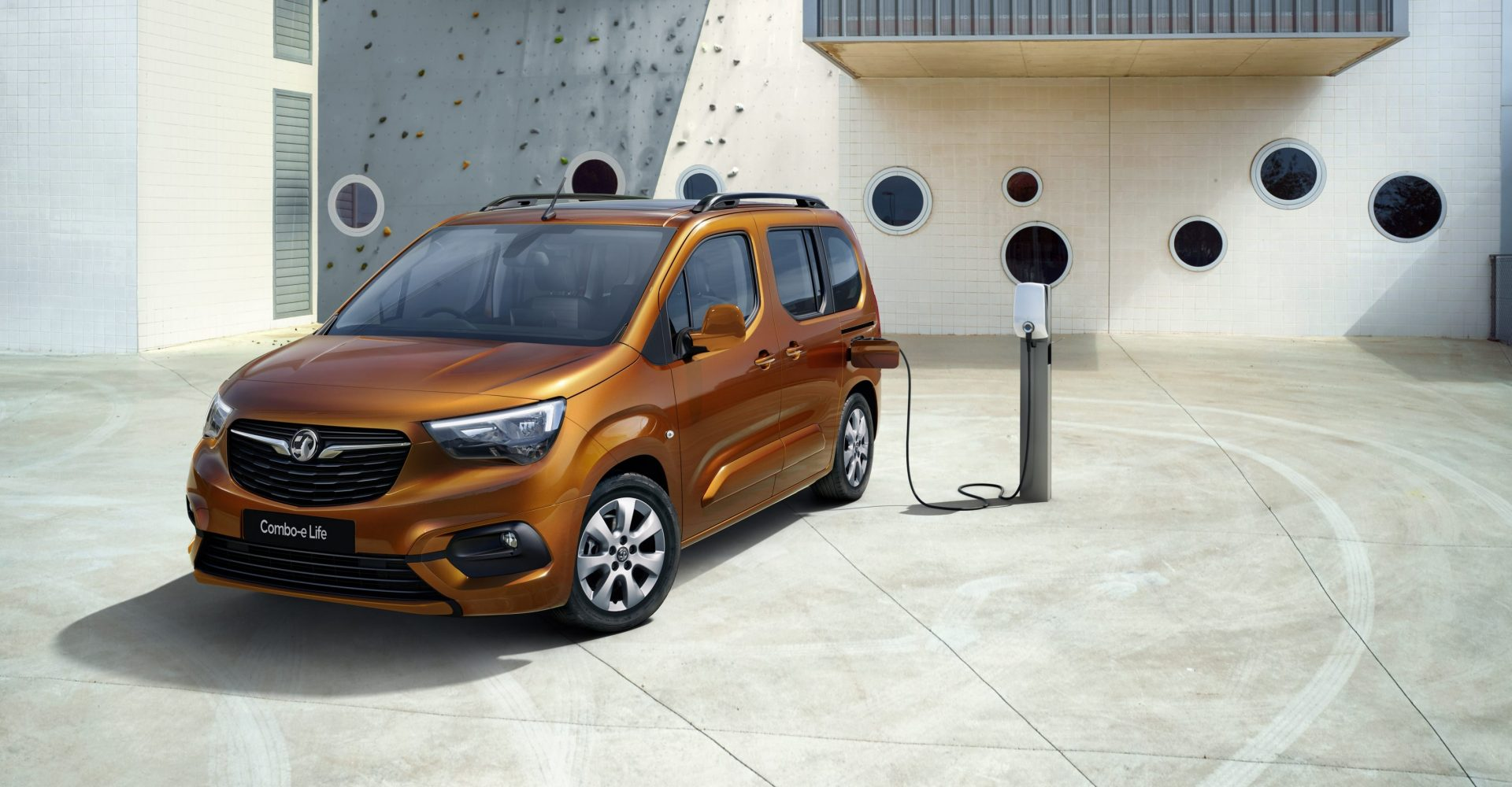 Vauxhall reveals new Combo-e Life with 174-mile range