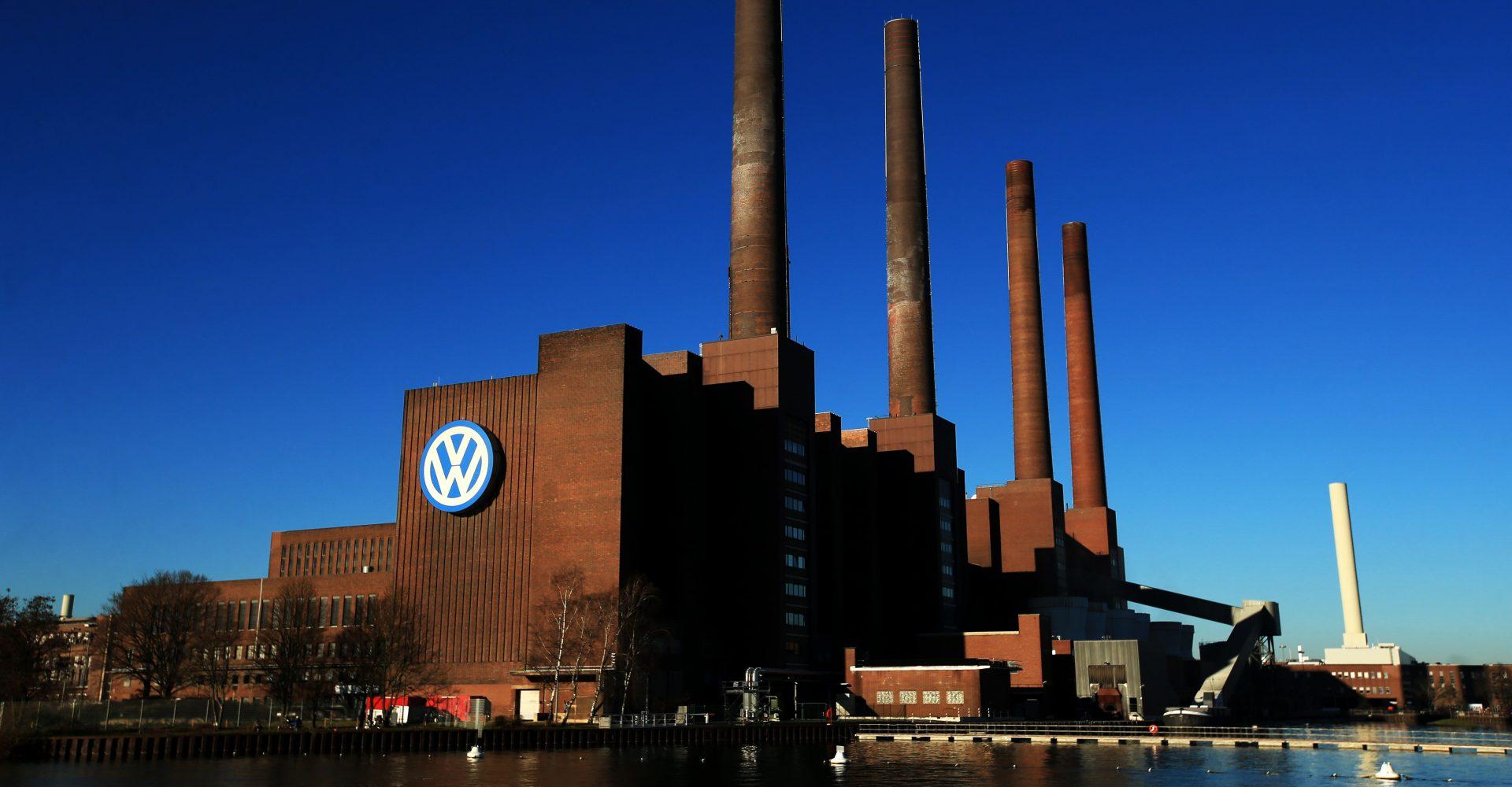 Former Volkswagen boss agrees to make payment over emissions scandal